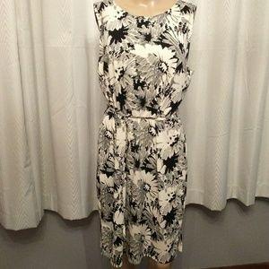 Ann Taylor LOFT Petites Floral Dress